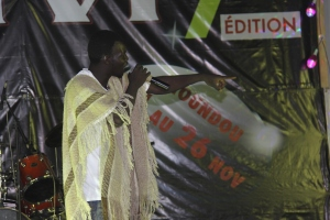 Roukika lors d'une prestation au festival N'DJAM VI
