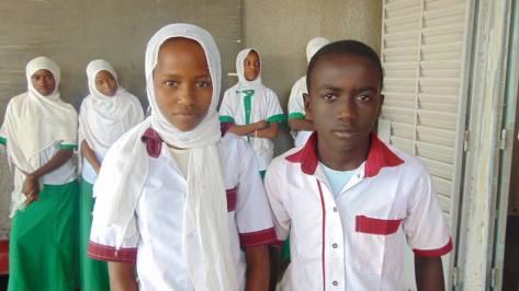 © UNICEF Chad/2015/Nour Mariam Hassan et Brahim Mahamat, élèves de l'école primaire du Centre de Massakory.