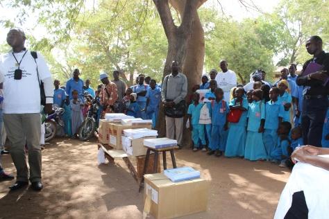 ©UNICEF CHAD/2015/Nouba Cérémonie de lancement de la distribution de manuels scolaires.