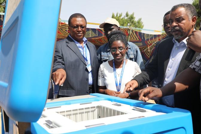 L'Unicef fait don de 133 réfrigérateurs solaires au Ministère de la Santé Publique pour renforcer la vaccination de routine dans la région du Lac Tchad