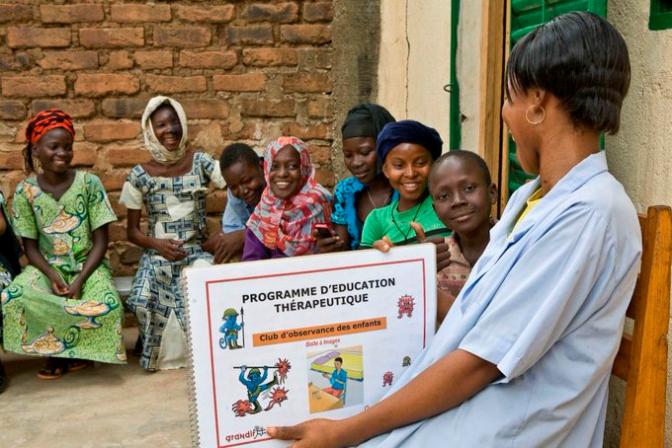 VIH/SIDA: les vies d'enfants et adolescents toujours menacées dans le monde et au Tchad – UNICEF