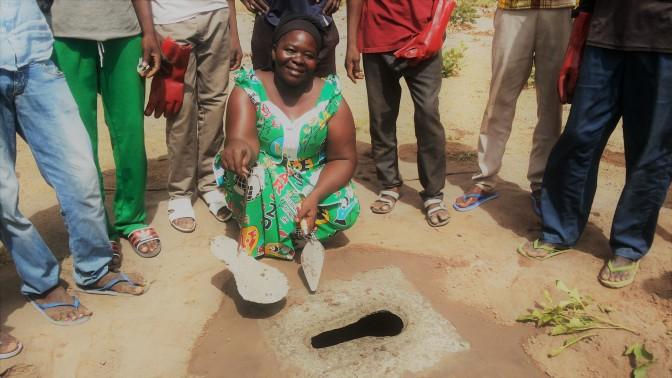 Déné Pulchérie, une femme maçonne au service de l'assainissement de sa communauté